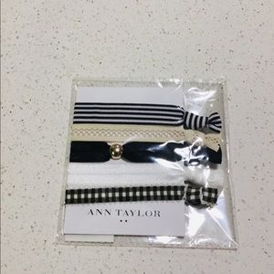 🍒Adorable Ann Taylor set of 5 pony tails